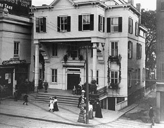 Stamford House Hotel