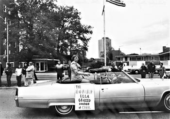 Parades1975cd2m